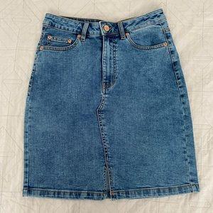 denim blue skirt !!